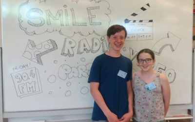 Young and even younger participants of Smile Radio in action !